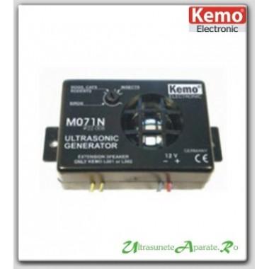 Dispozitiv generator de ultrasunete cu alimentare la 12V pt. protectia auto impotriva soarecilor - M071